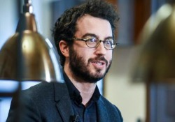 Jonathan Safran Foer: scrivo, quindi cambio