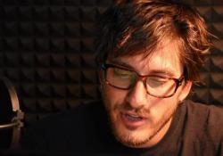 L'attore romano, protagonista di «Non essere cattivo» e «Lo chiamavano Jeeg Robot» legge «Lamento di Portnoy» per l'audiolibro edito da Emons