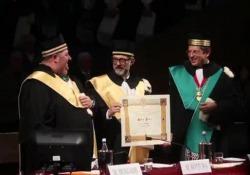 Massimo Bottura laureato ad honorem a Bologna: «La cucina è lo spazio aperto dell'inaspettato»