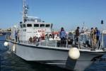 Migranti, in 72 sbarcano a Pozzallo: tra loro 30 sopravvissuti a un naufragio