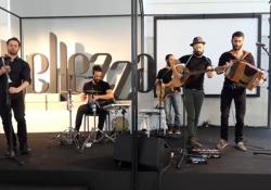 La prima tappa del roadshow del «Corriere» ha coinvolto attori, scrittori e (tanti) musicisti. Da Rubini ai salentini Kalascima