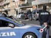 A Palermo migrante assiste al furto di una moto, insegue i ladri e li blocca