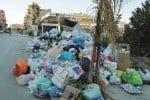 Emergenza rifiuti a Licata, cassonetti incendiati nella notte