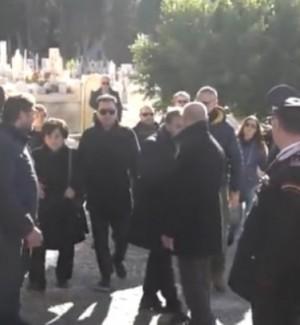 Totò Riina, dopo lo sbarco a Palermo la salma tumulata al cimitero di Corleone