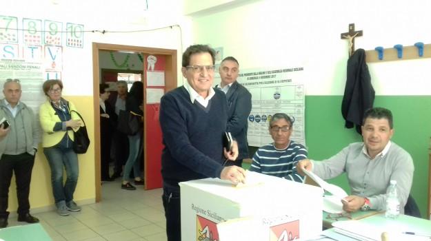 regionali sicilia 2017, Matteo Renzi, Rosario Crocetta, Sicilia, Politica