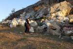 """""""Estraeva pietre dall'area della necropoli"""", imprenditore denunciato a Santa Elisabetta"""