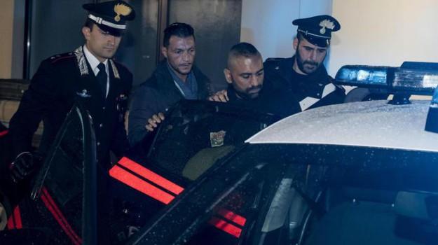 aggressione troupe Rai, giornalista picchiato ostia, Roberto Spada, Sicilia, Cronaca
