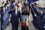 Donald e Melania Trump al loro arrivo a Tokyo - Ansa