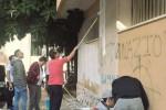 Scritte inneggianti al fascismo a Marsala: volontari le cancellano