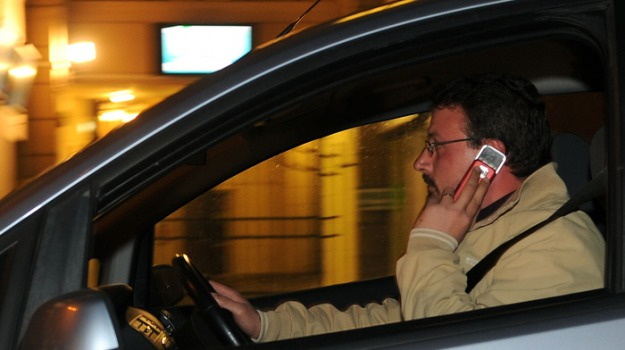 auto senza assicurazione, cellulare alla guida, multe vigili urbani palermo, Palermo, Cronaca