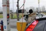 Accordo Eni-Snam per sviluppo stazioni a metano in Italia