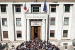 L'Istituto superiore Sanità fotografato da Oliviero Toscani