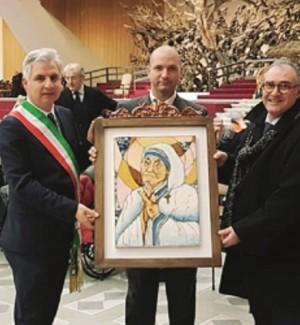 Consegnata al Papa un'opera di un artista di San Cataldo