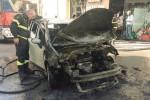 Auto va in fiamme, paura per coppia di anziani a Trapani
