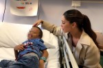 Belen Rodriguez fa visita ai piccoli pazienti del Gaslini: le foto