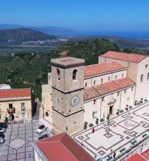 Borgo dei Borghi, a Castroreale si festeggia il secondo posto