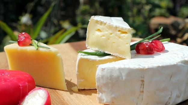 formaggio ictus infarto, Sicilia, Società