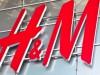 "L'online ""uccide"" i negozi tradizionali, anche H&M è in crisi"