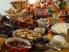 Natale, parte il conto alla rovescia: le dritte per compensare gli stravizi a tavola