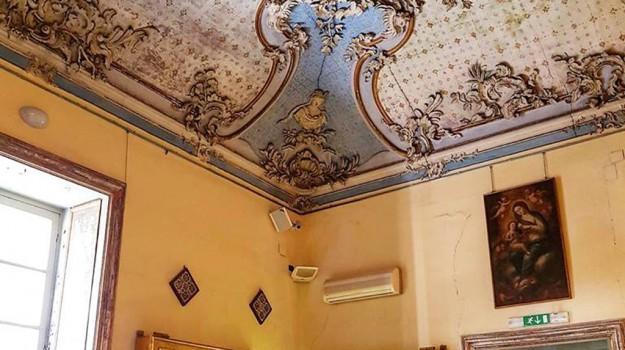 palazzo asmundo palermo mostra mercato, Palermo, Società