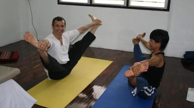 benessere, Ruesri dat ton, yoga, Sergio Coniglio, Sicilia, Società
