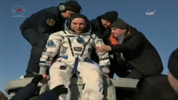 AstroPaolo è tornato sulla Terra, la navetta Soyuz è atterrata - La diretta