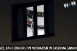 Bandiera dei neonazisti in una caserma dei carabinieri, aperta un'indagine