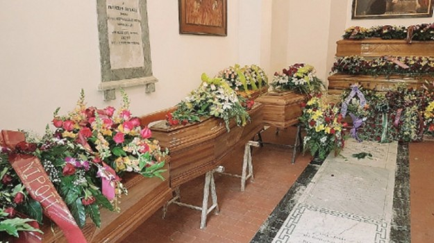 Castelvetrano bare sepoltura, Trapani, Cronaca