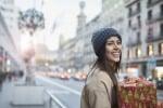 Shopping natalizio foto Tempura iStock.