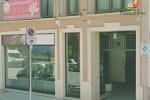 Massaggi e sesso, scambio di accuse a Trapani
