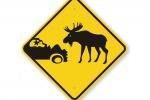 Le renne di Babbo Natale attaccano auto della Polizia