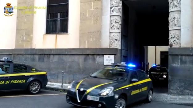 Mostra finanza Catania, Catania, Cronaca