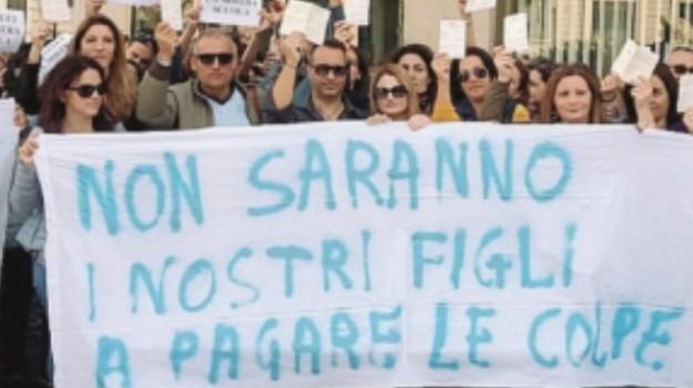 archia, doppi turni, genitori, Siracusa, Paolo Gentiloni, Siracusa, Cronaca