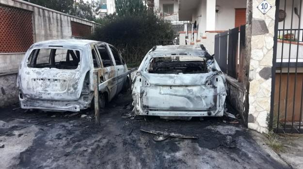 auto fiamme terrasini, Palermo, Cronaca