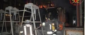Incendio in una cabina dell'Enel a Catania, una parte della città al buio per ore
