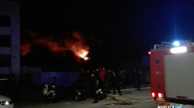 incendio petrosino, Trapani, Cronaca