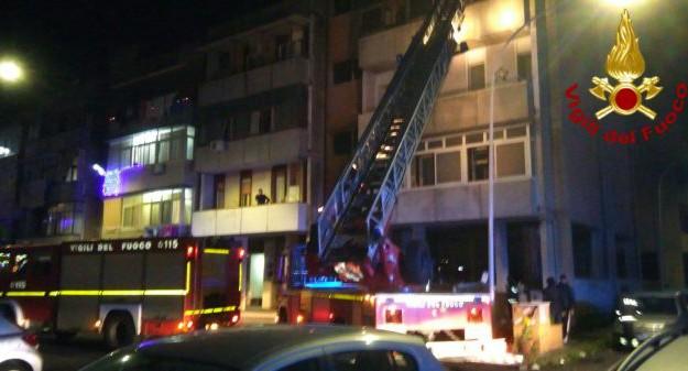 incendio condominio catania, Catania, Cronaca