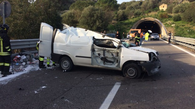 incidente autostrada carini, Palermo, Cronaca