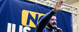 """Berlusconi pronto ad accogliere candidati ex M5s, ma Salvini frena: """"Non vogliamo transfughi"""""""