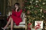 Abito rosso per la vigilia e nero per la Messa: Melania Trump icona di stile anche a Natale - Foto