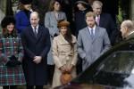 Meghan ed Harry alla Messa di Natale, prima uscita ufficiale con la famiglia reale - Foto