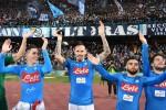 Il Napoli vince e conferma il primato, la Juve batte la Roma e tiene testa. Secondo ko per l'Inter