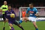 Il Napoli non sa più vincere, pari contro la Fiorentina: Inter ancora prima