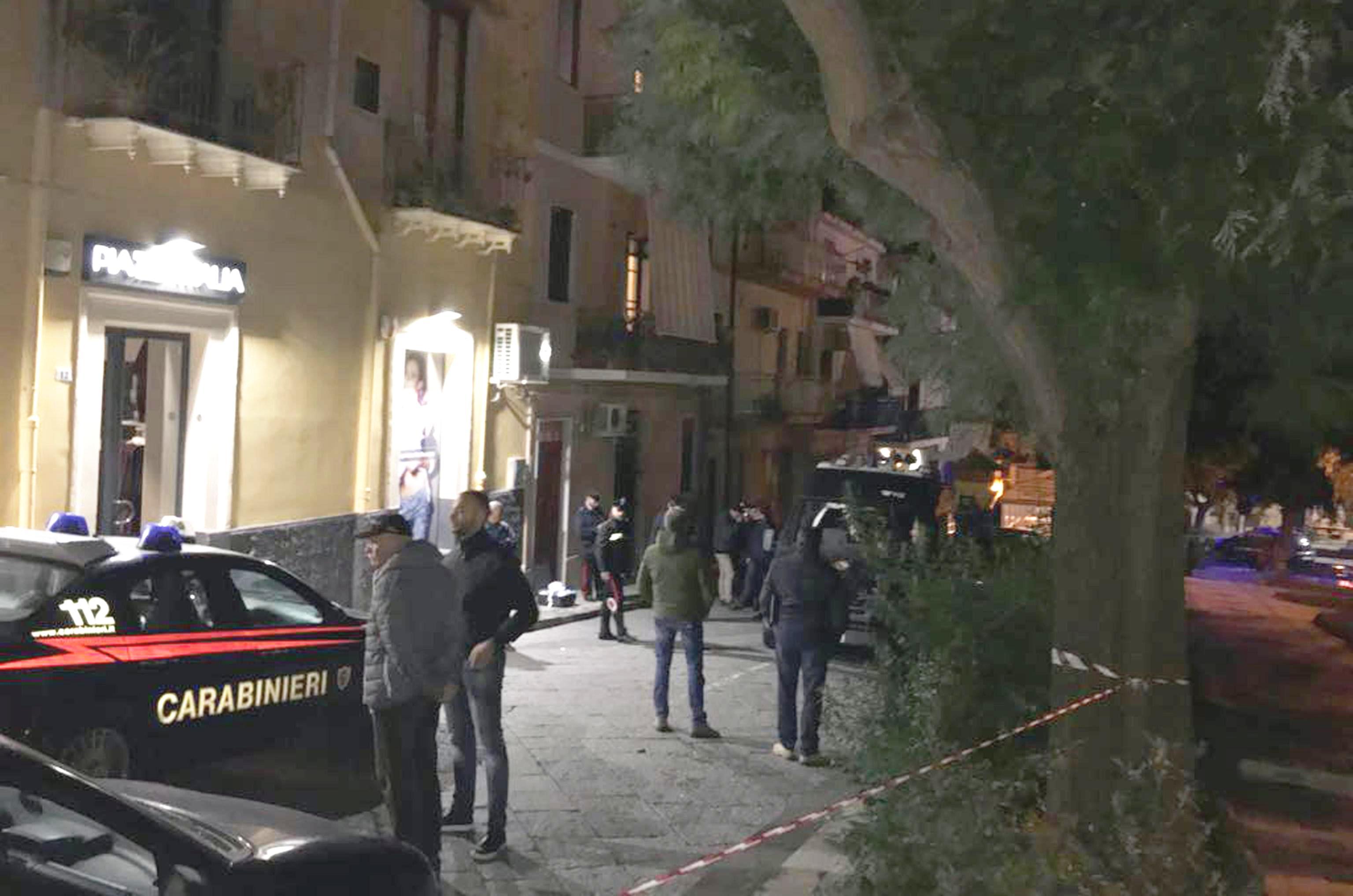 Due anziane sorelle sono state trovate morte in casa nel Catanese