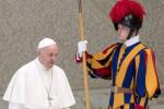 """Il monito del Papa: """"Assistiamo a un Natale snaturato da dal falso rispetto"""""""