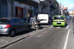 """Auto sui marciapiedi a San Giovanni Galermo a Catania: le foto del """"parcheggio selvaggio"""""""