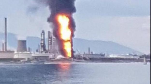 incendio raffineria milazzo, Messina, Cronaca