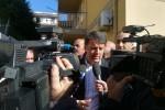 """Tour in Sicilia, Renzi in un centro antiviolenza: """"Più fondi per la lotta alla tratta di donne"""""""