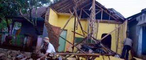 Forte terremoto in Indonesia, escluso lo tsunami: 2 morti e decine di feriti