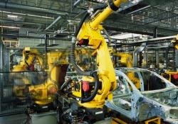L'Industria dell'auto resiste alla tecnologia, aumentano le assunzioni